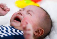 penyebab-bayi-menangis-terus-doktersehat
