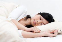 posisi-tidur-yang-baik-doktersehat