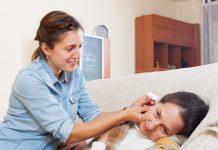Doktersehat-cara-menggunakan-obat-tetes-telinga
