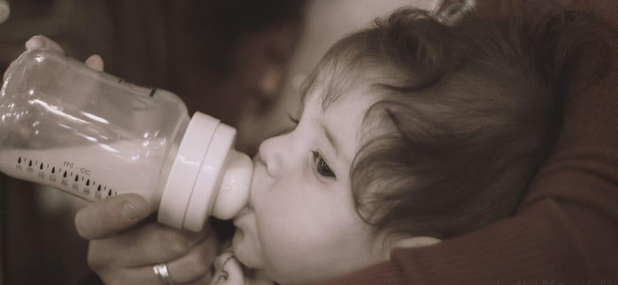Apa Yang Bisa Kita Lakukan Jika si Kecil Enggan Minum Susu?