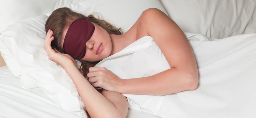 doktersehat-tidur-wanita-ruangan-dingin-jantung