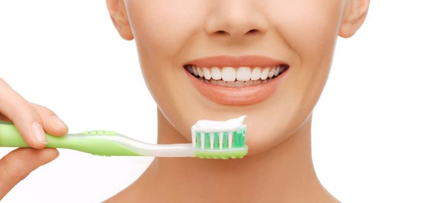 Benarkah Mitos Yang Menyebutkan Gigi Kuning Lebih Sehat Dari Gigi