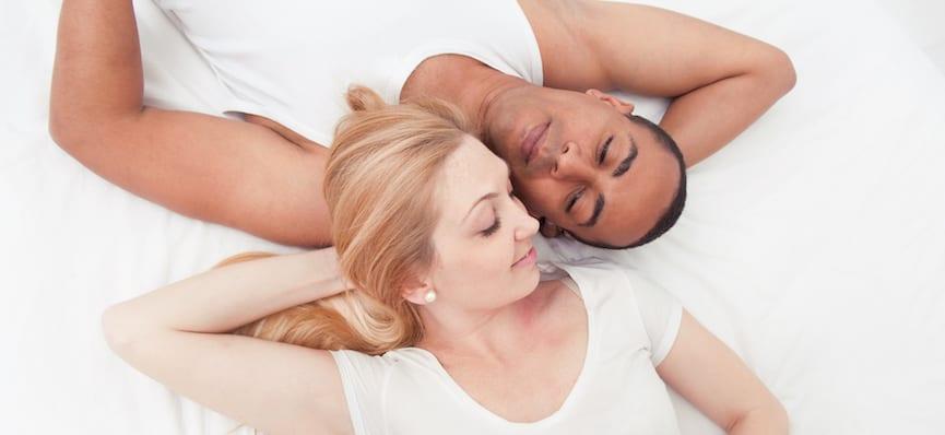 doktersehat-pasangan-couple-tidur