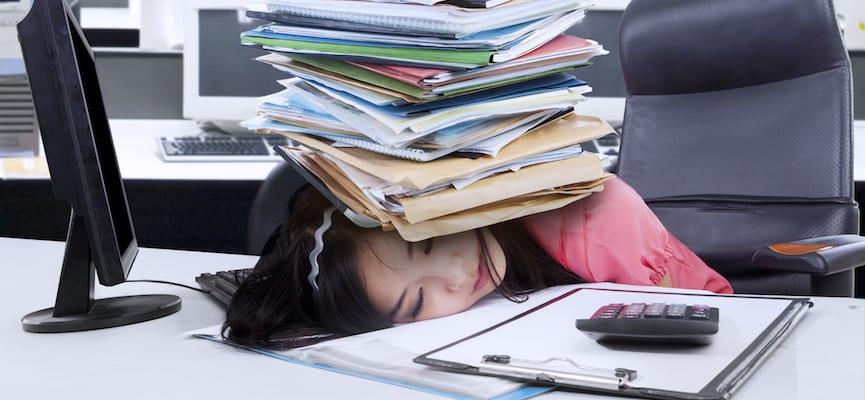 doktersehat-overtime-sibuk-kerja-lembur-stress-memunda-pekerjaan-wanita-resiko-jantung-resiko-kesehatan-wanita-karir