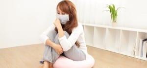 doktersehat-wanita-sakit-flu-fever-demam-masuk-angin-masker