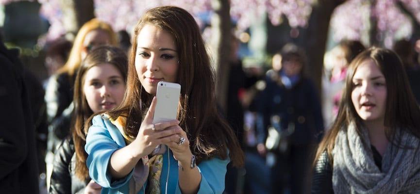 Suka Selfie? Bisa Jadi Anda Orang yang Kesepian