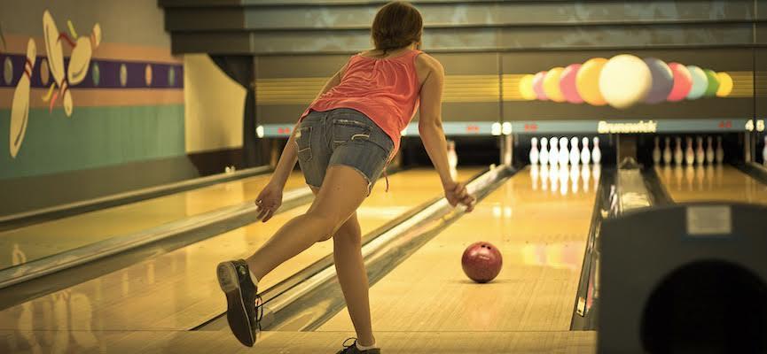 Berikut Adalah Manfaat Melakukan Olahraga Bowling