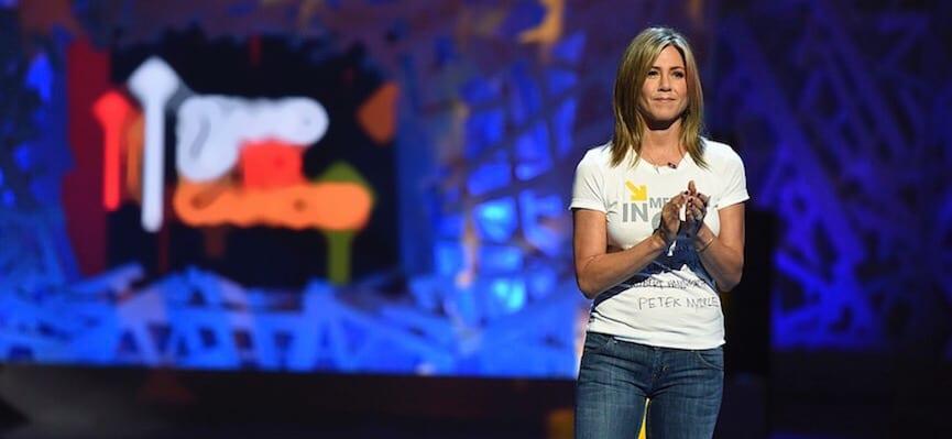 Aktris Holywood Jennifer Aniston Menderita Mata Kering yang Sangat Parah