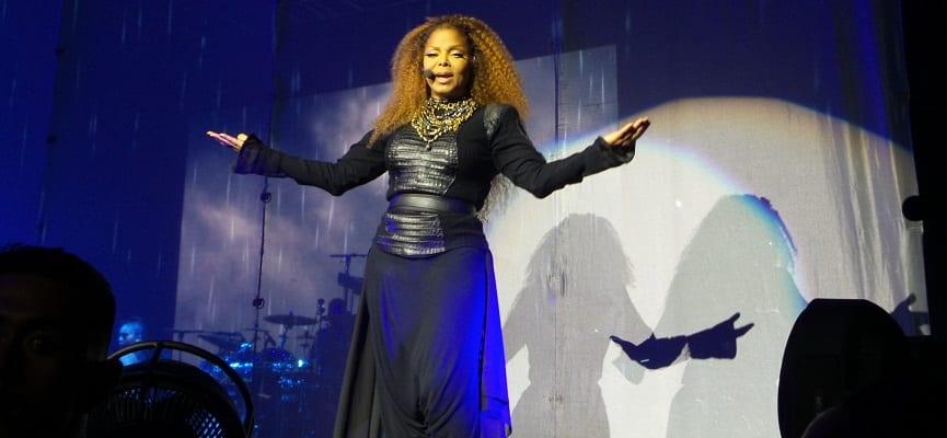 Janet Jackson Melahirkan di Usia 50 Tahun