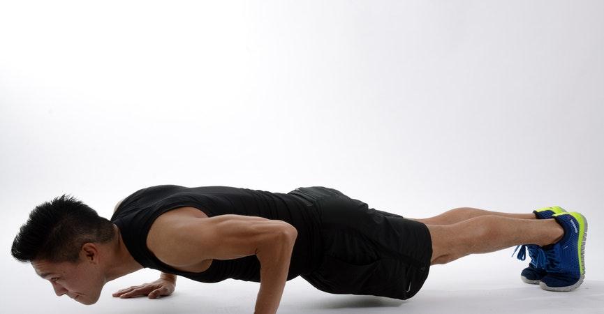 Ingin Membentuk Otot Bahu? Lakukan 4 Gerakan Ini!