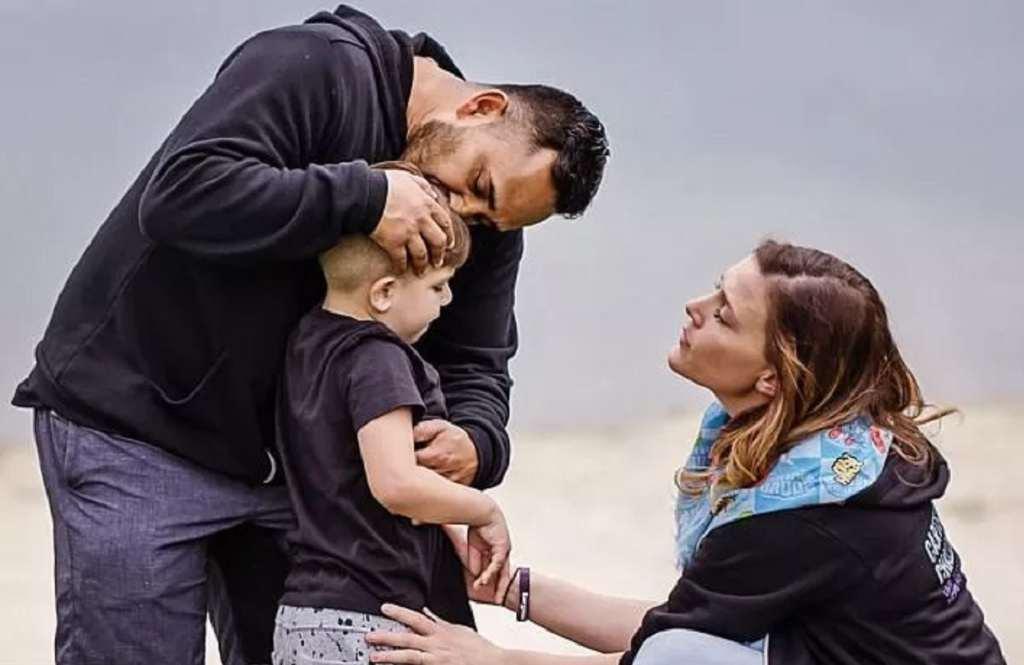 Demi Mengobati Anaknya, Pasangan Ini Bercerai