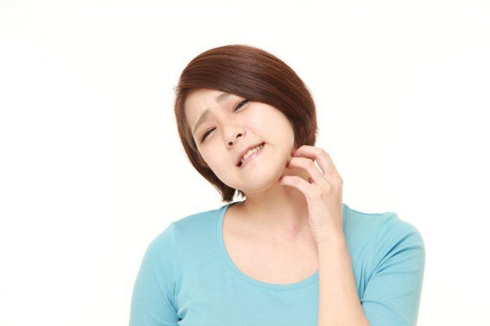 10 Cara Menghilangkan Gatal di Wajah dengan Bahan Alami