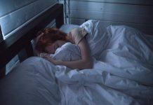 kebiasaan-sebelum-tidur-doktersehat-1