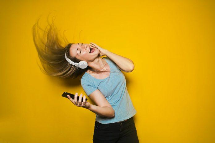 manfaat-mendengarkan-musik-doktersehat