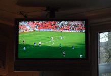 menonton_sepakbola_televisi_doktersehat_2