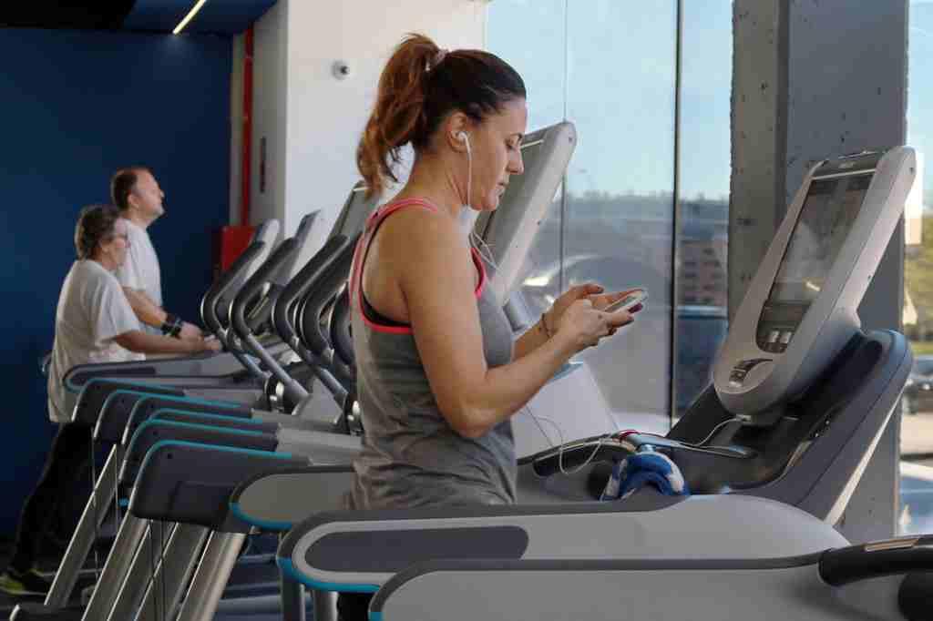 manfaat-treadmill-doktersehat