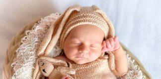 gaya-tidur-bayi-sesuai-usianya-doktersehat