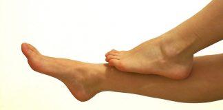 benjolan-mata-kaki-tanda-asam-urat-doktersehat