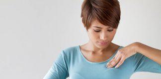 memeriksa-payudara-doktersehat