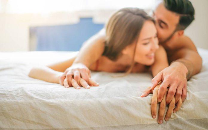 Seks Setelah Persalinan: Masalah dan Tips Melakukannya dengan Benar