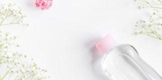 manfaaat-baby-oil-untuk-wajah-doktersehat