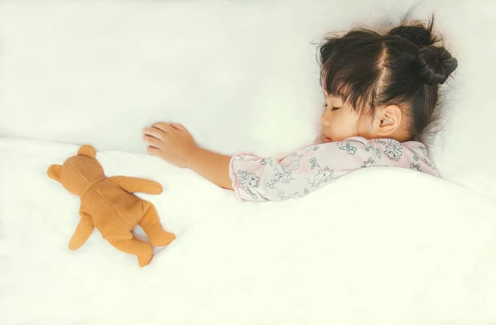 7 Cara Mencegah Anak Terbangun Tengah Malam dan Rewel