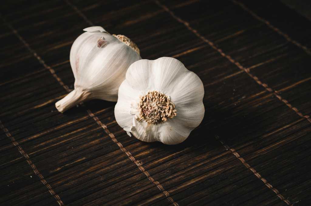 Manfaat Bawang Putih untuk Telinga, Atasi Sakit Telinga Akibat Infeksi
