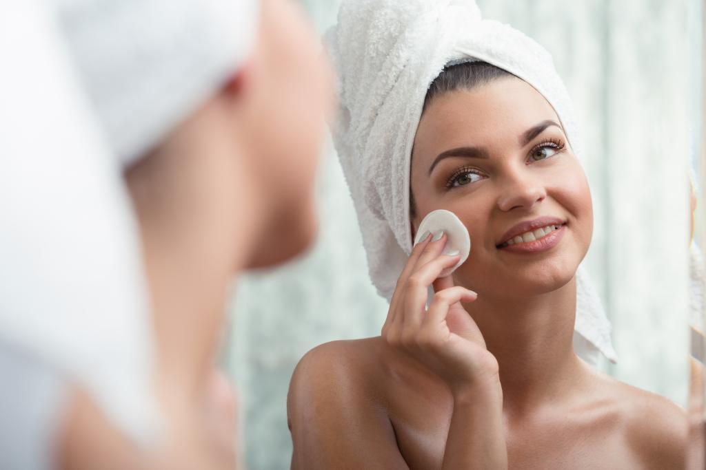 8 Tips Memilih Skincare yang Aman dan Tepat