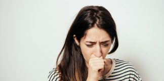 mengatasi-batuk-saat-puasa-doktersehat