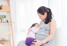 tips-aman-menyusui-saat-hamil-doktersehat