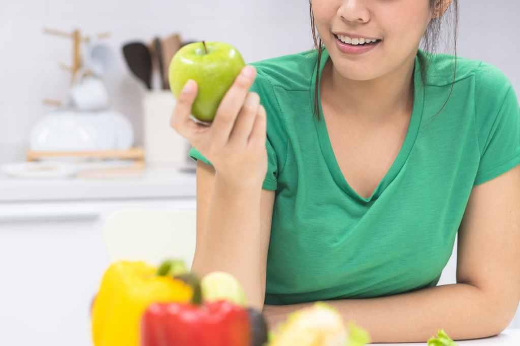 15 Buah Rendah Gula yang Membantu Menurunkan Berat Badan