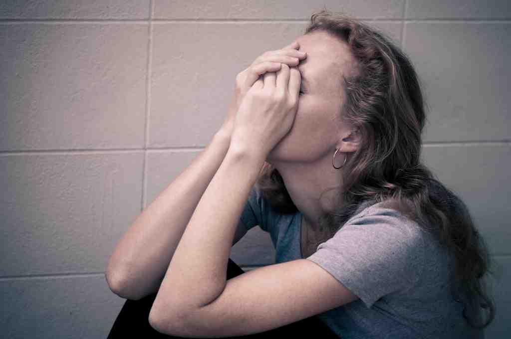 Perbedaan-Stres-dan-Depresi-doktersehat