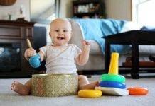 perkembangan-bayi-8-bulan-doktersehat