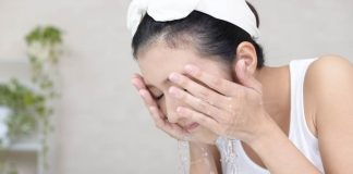 manfaat-air-hangat-untuk-wajah-doktersehat