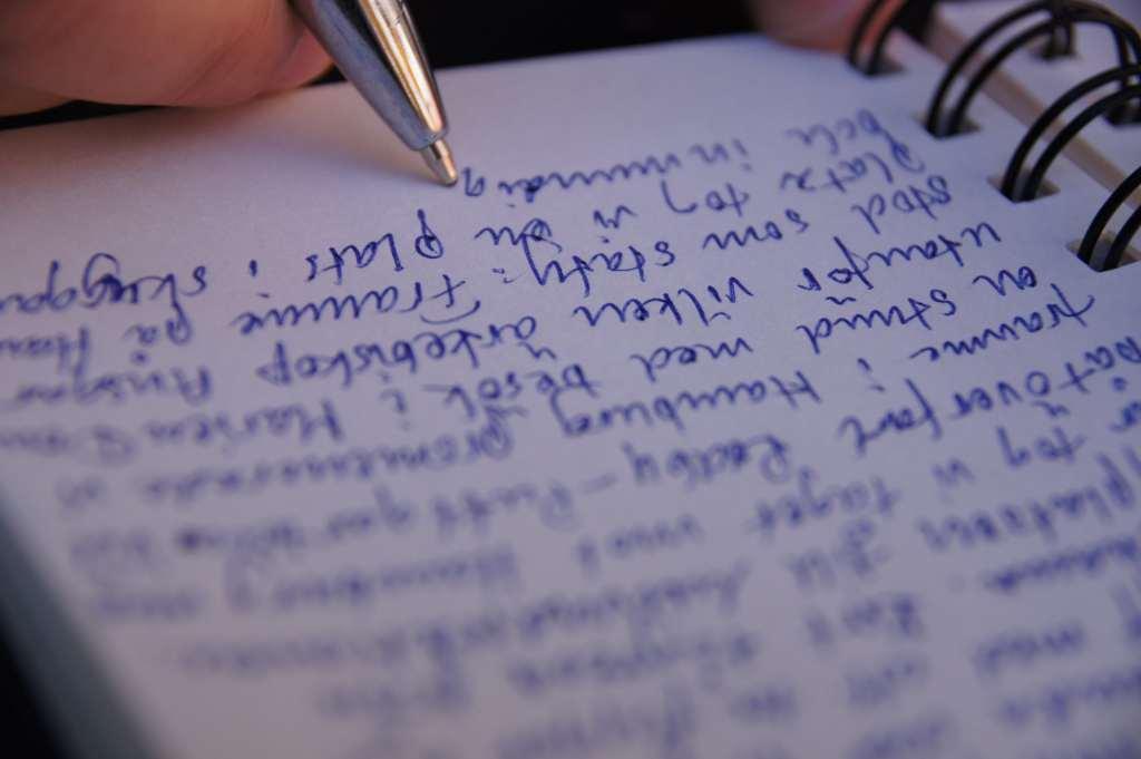 menulis-tangan-doktersehat