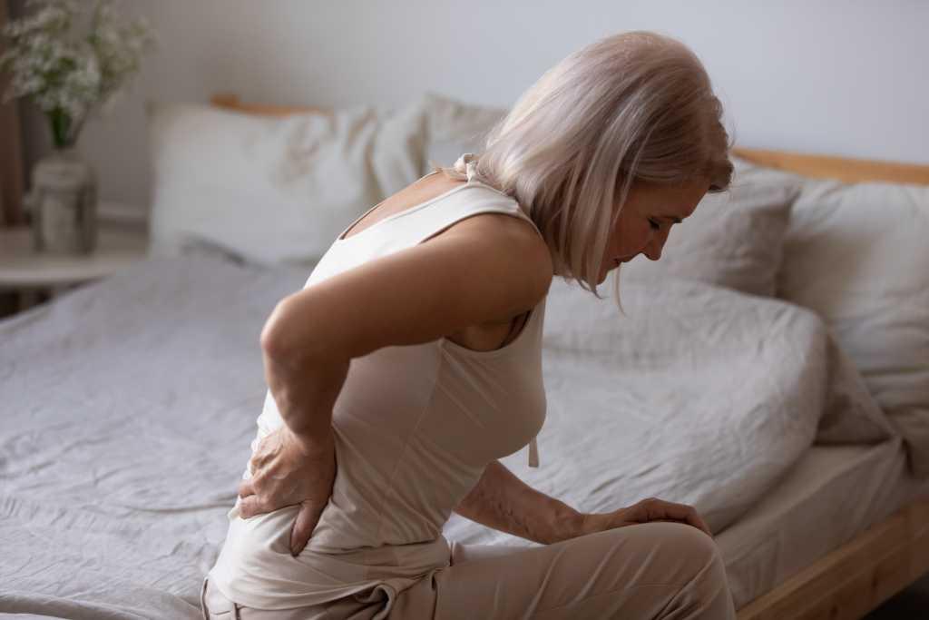 7 Vitamin Terbaik untuk Meringankan Kondisi Osteoporosis