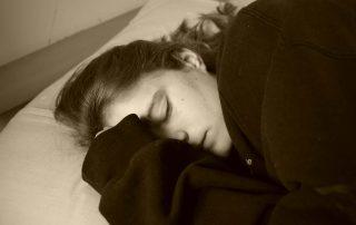 tidur-tengkurap-doktersehat