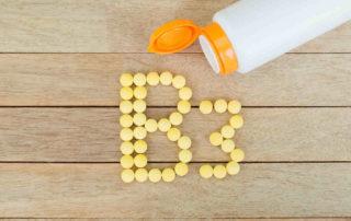 Vitamin B3 (Niacin): Manfaat, Sumber, Dosis, dll