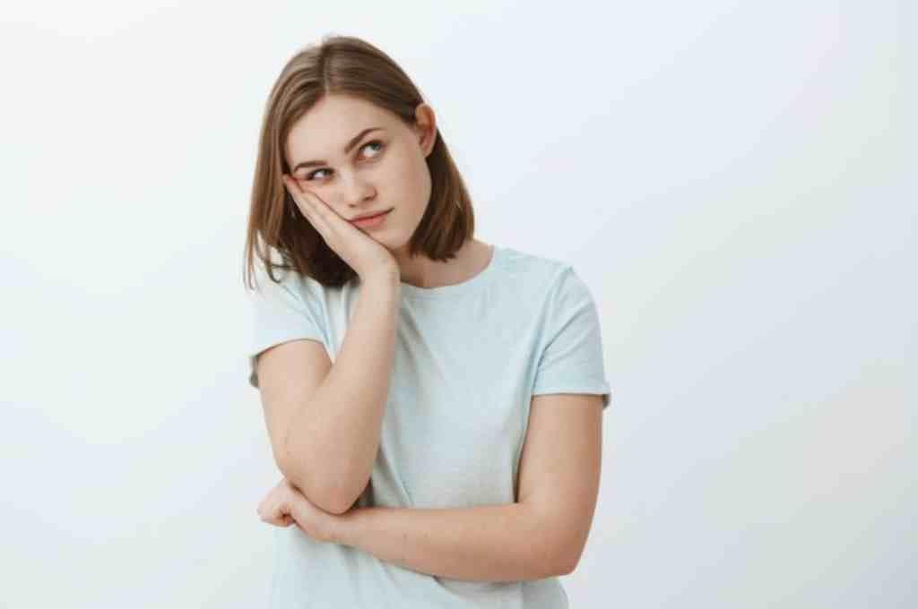 Apatis: Gejala, Penyebab, Cara Mengatasi, dll