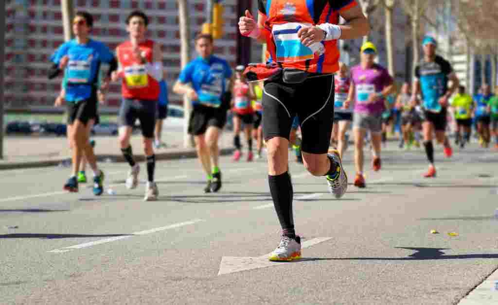 Lari Jarak Jauh: Teknik, Manfaat, dan Risikonya bagi Kesehatan