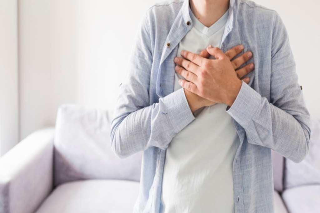 20 Penyebab Sakit Dada Sebelah Kanan yang Harus Diwaspadai