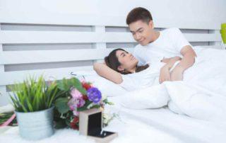 7 Cara KB Alami untuk Mencegah Kehamilan (Manfaat & Risiko)