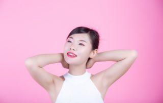 12 Cara Memutihkan Ketiak Hitam yang Alami dan Medis (Efektif)
