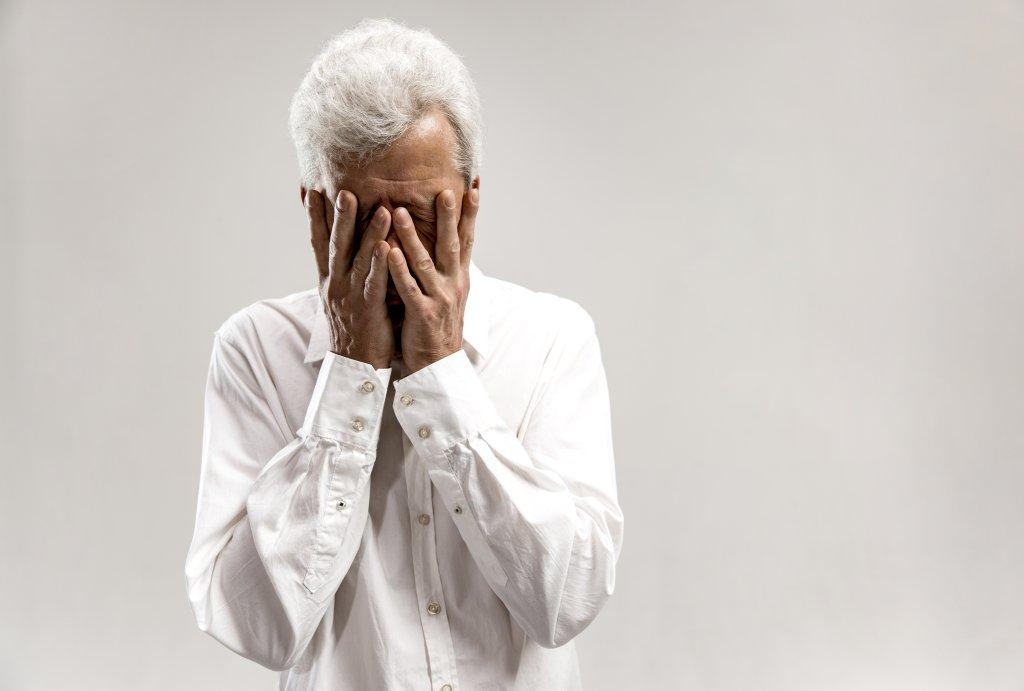 Depresi pada Lansia: Gejala, Penyebab, Pengobatan, Pencegahan, dll